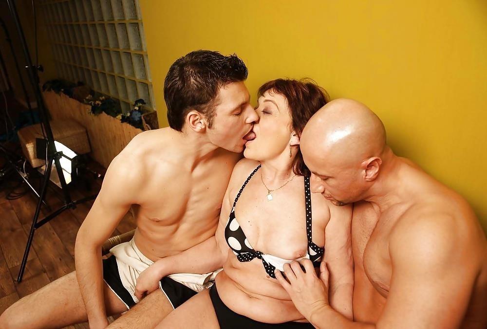 Massive female orgy-6608