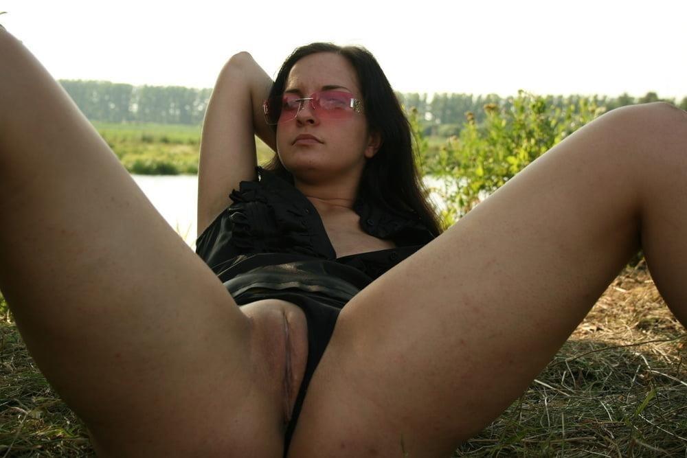 Photo shoot turns lesbian-1986