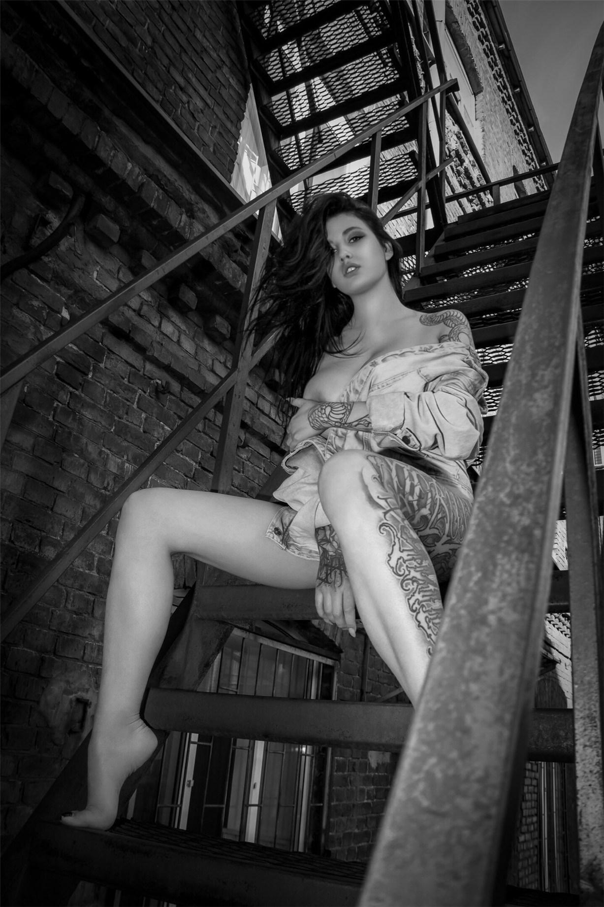 Эротическая тату-модель Евгения Таланина / Evgenia Talanina by Kirill Oleynik