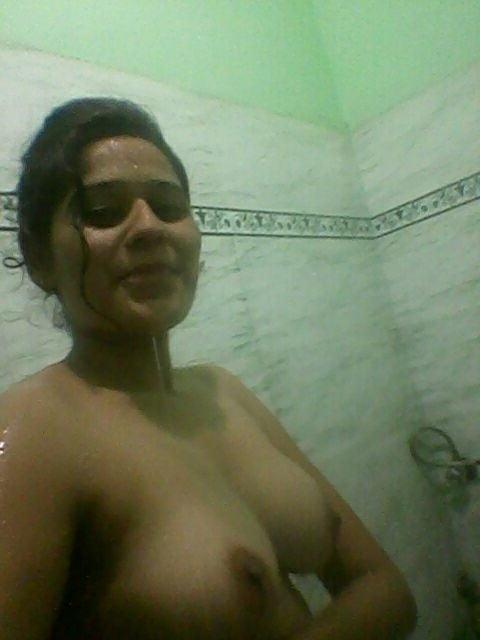 Teen girls topless selfies-5295