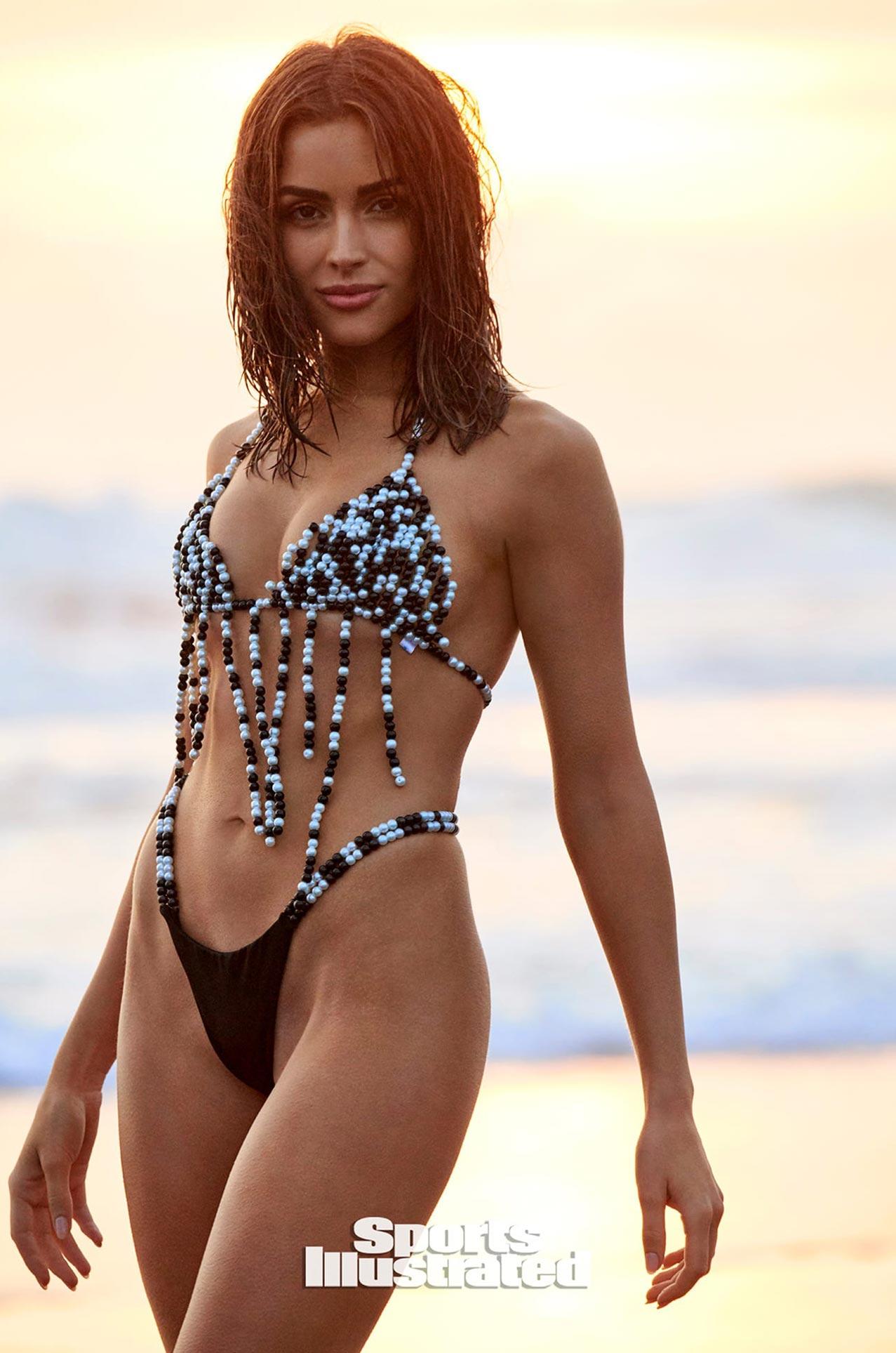 Оливия Калпо в каталоге купальников Sports Illustrated Swimsuit 2020 / фото 22