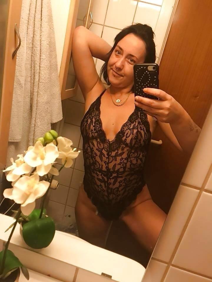 Teen nude selfie-8253