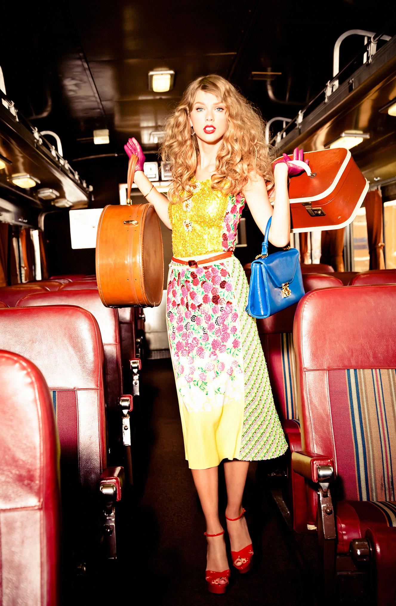 Тейлор Свифт отправляется в путешествие на поезде / фото 01