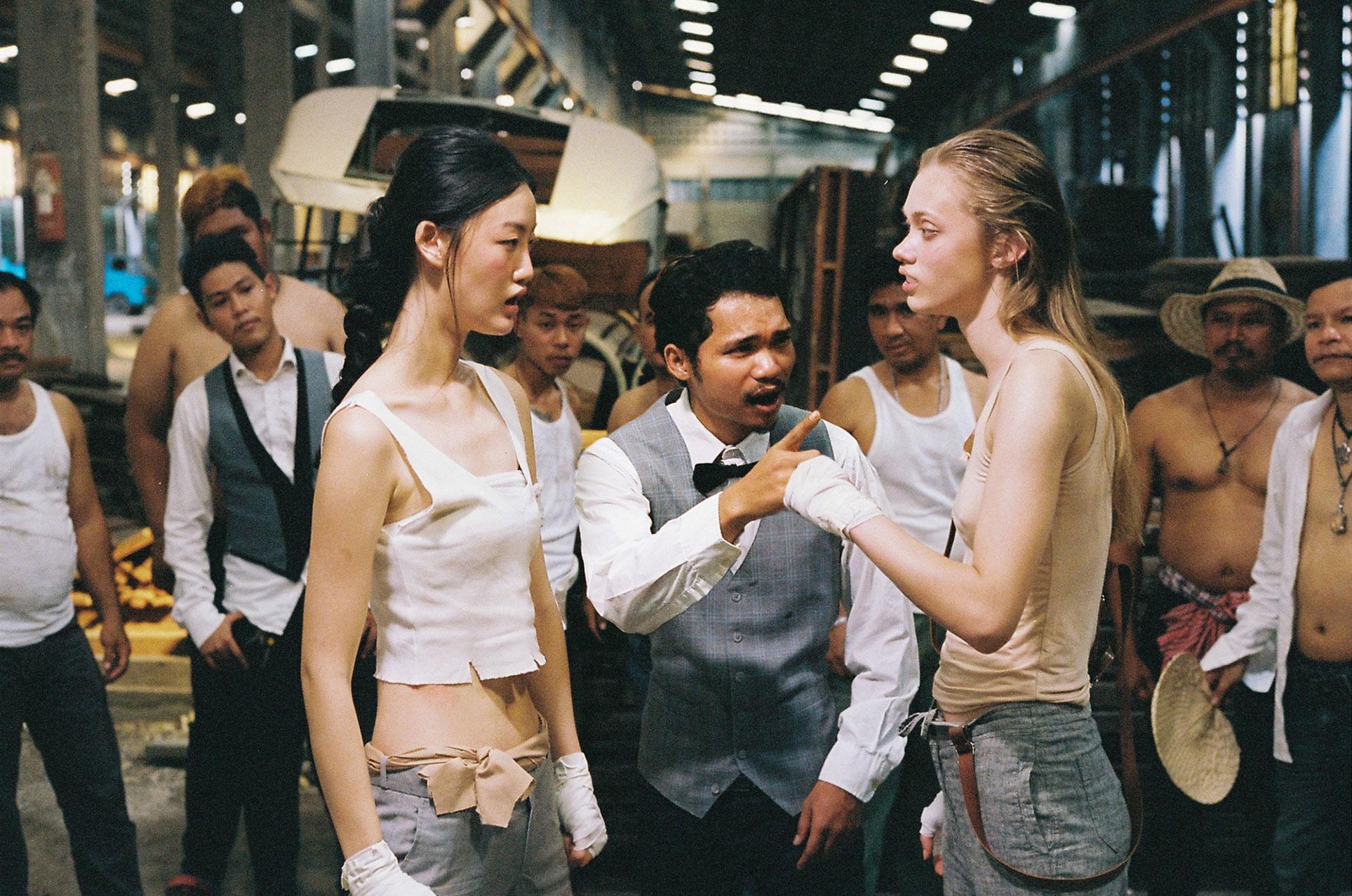 Ксения и Джунг Дахи выясняют отношения на ринге в Таиланде / фото 06