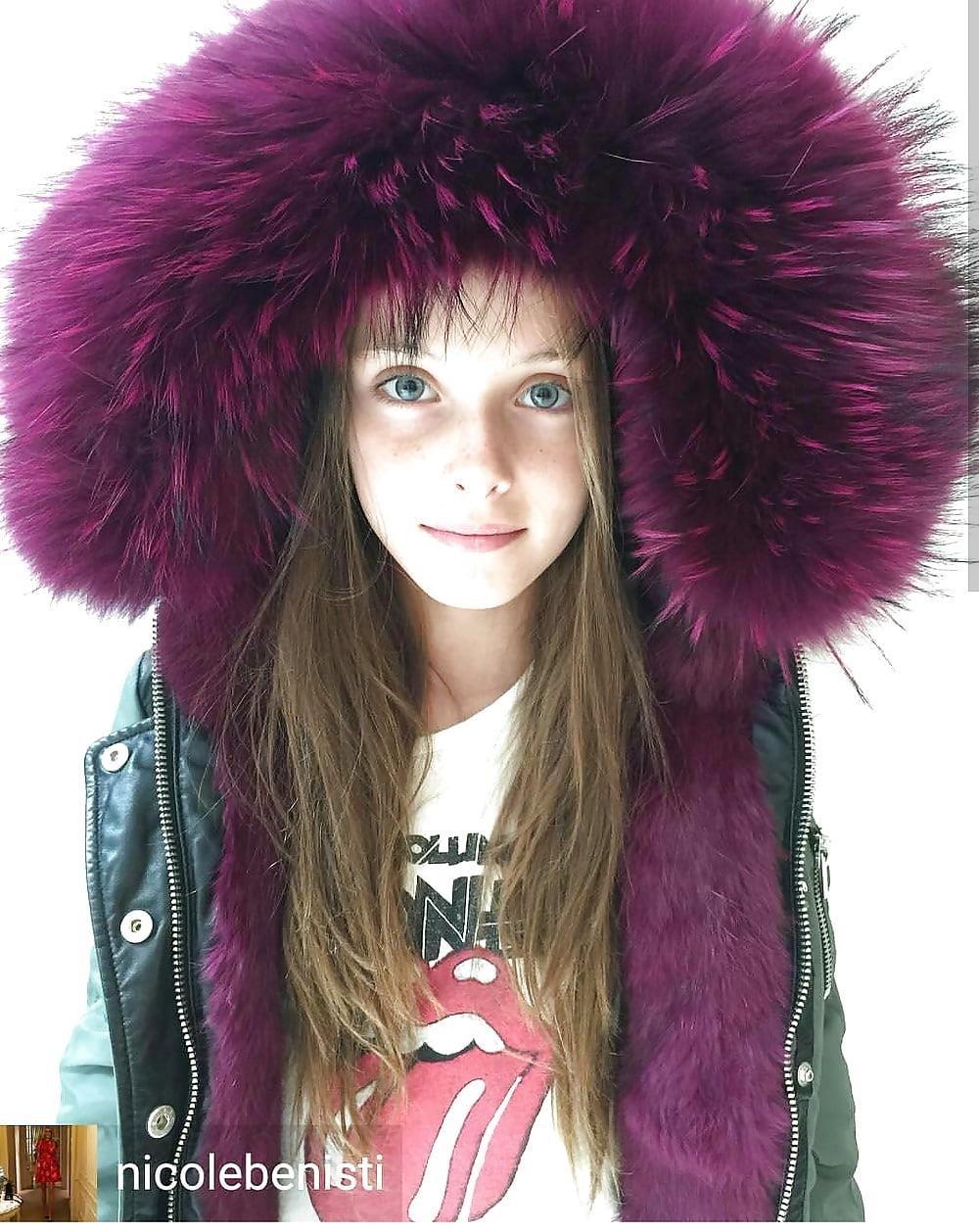 Jean jacket with brown fur-3878
