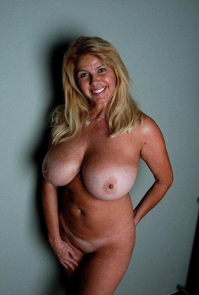 Naked women cunnilingus-2719