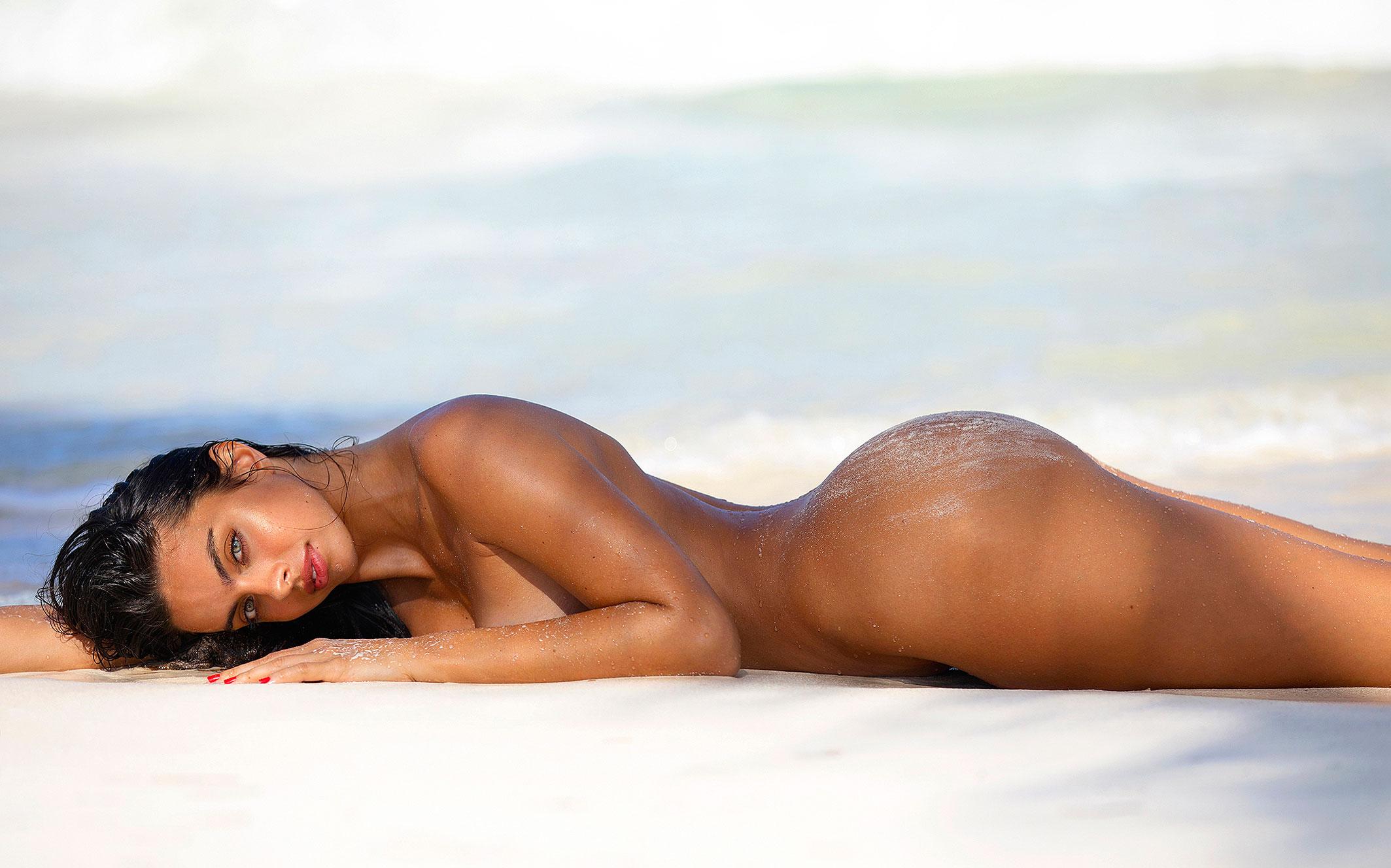 Голая пуэрториканка Присцилла Хаггинс на пляже Тулума / фото 19