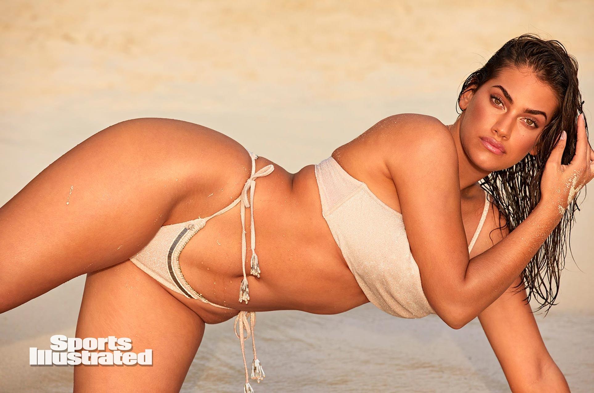 Лорена Дюран в каталоге купальников Sports Illustrated Swimsuit 2020 / фото 03