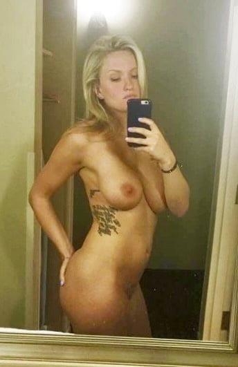 Nude booty selfies-8256