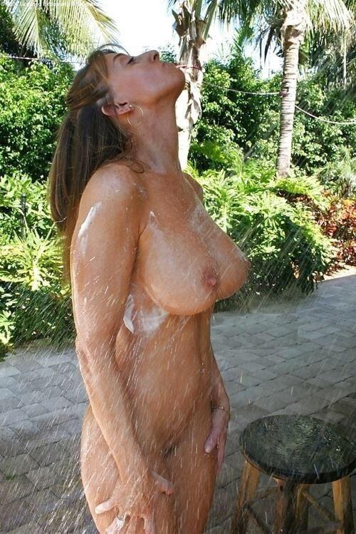 Naked mature thai women-9000