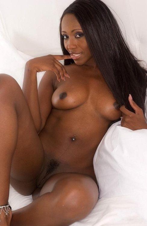 Nude girls with pretty feet-8016