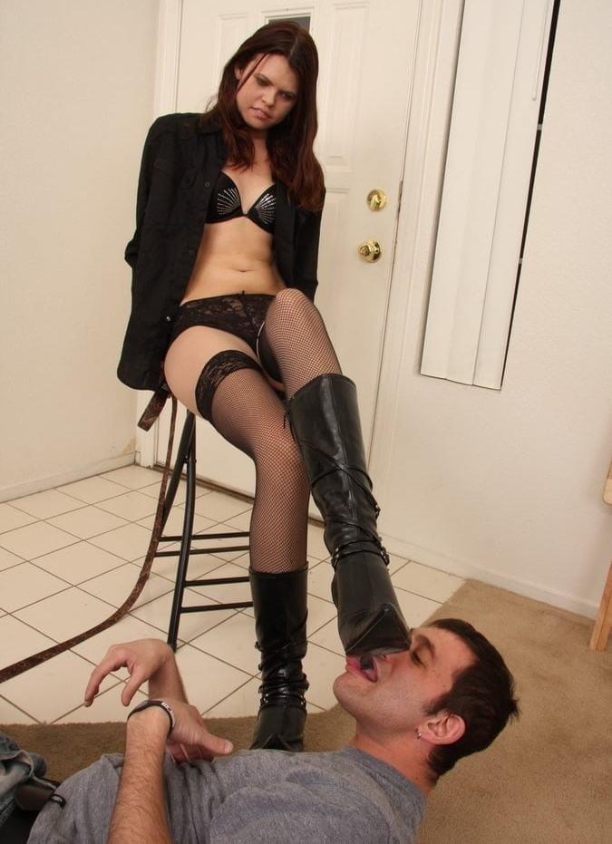 Victoria feet slave-8712