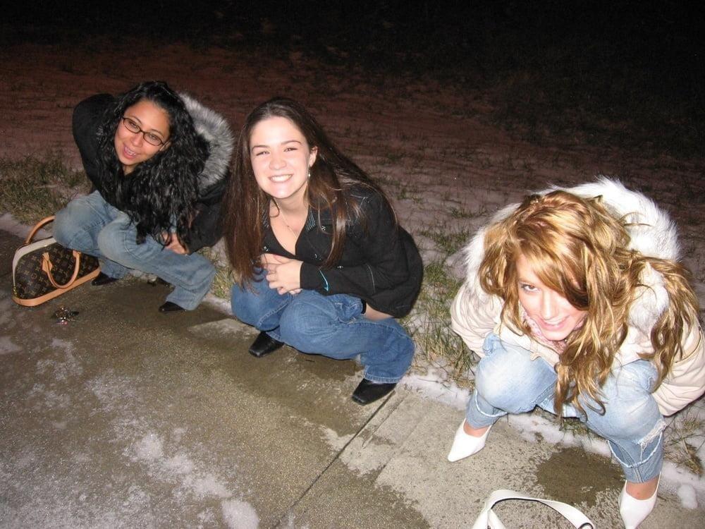 Black girl peeing in public-2969