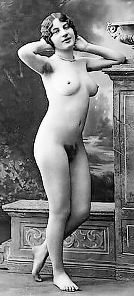 Older nude hairy women-4384