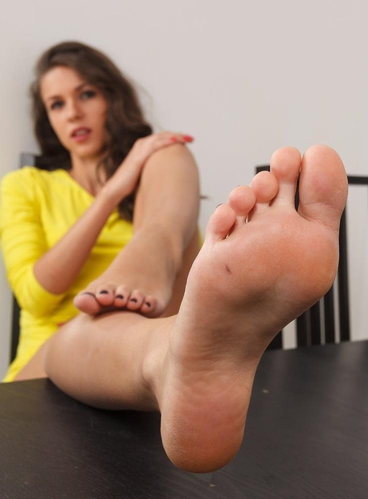 Brianna foot fetish-4945