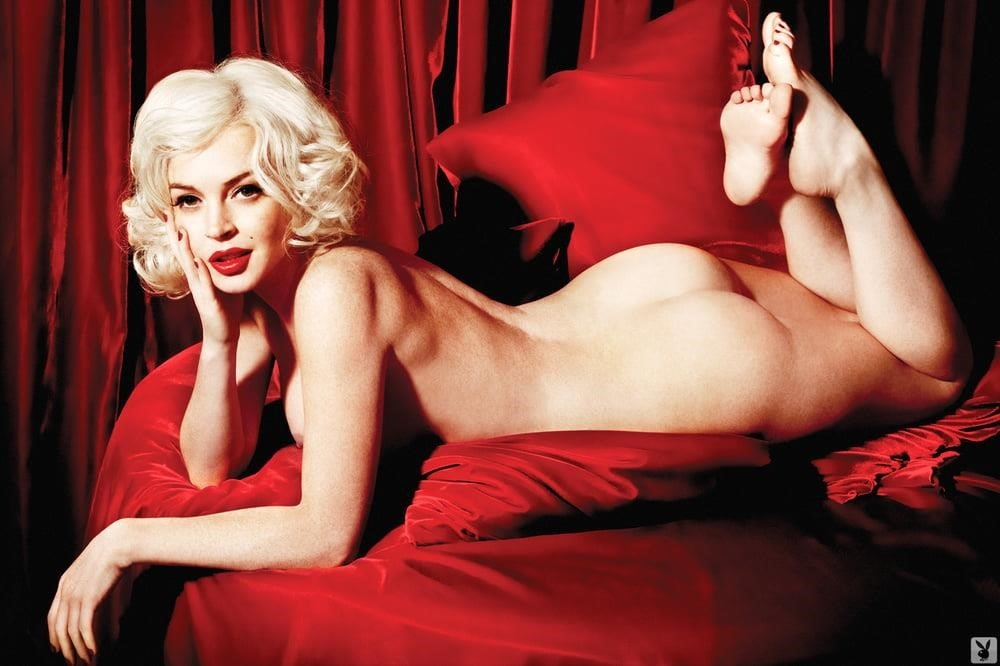 Lindsay lohan goes topless as marilyn monroe