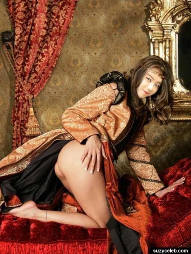 Sexxy girls kissing-7802