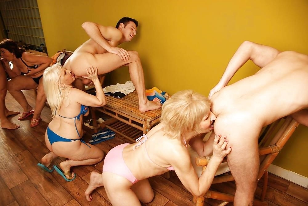 Massive female orgy-5161