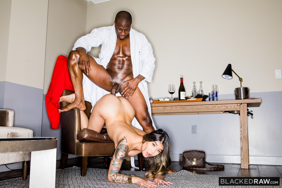 Brenna Sparks, Rob Piper – Sex Life Solution – Blacked Raw [HD]