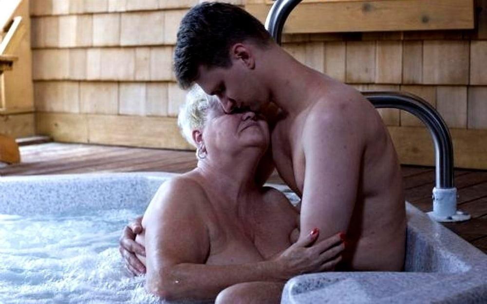 Pics naked grannies-8249