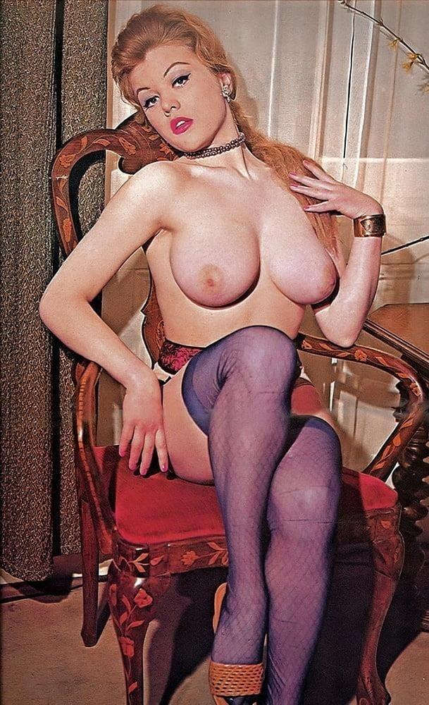 Big boobs model photo-9618