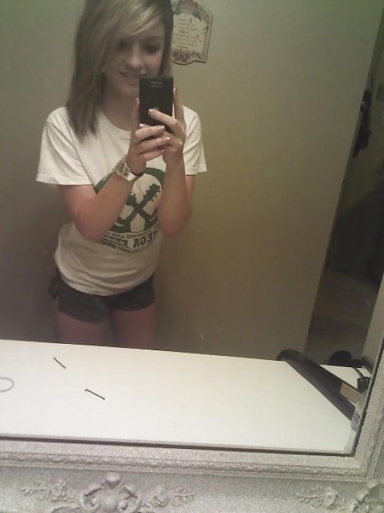 Petite nude selfies-9313