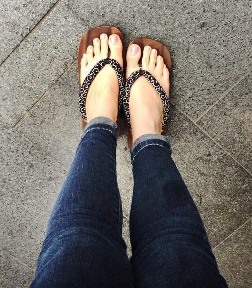 Lesbian long toes-1743