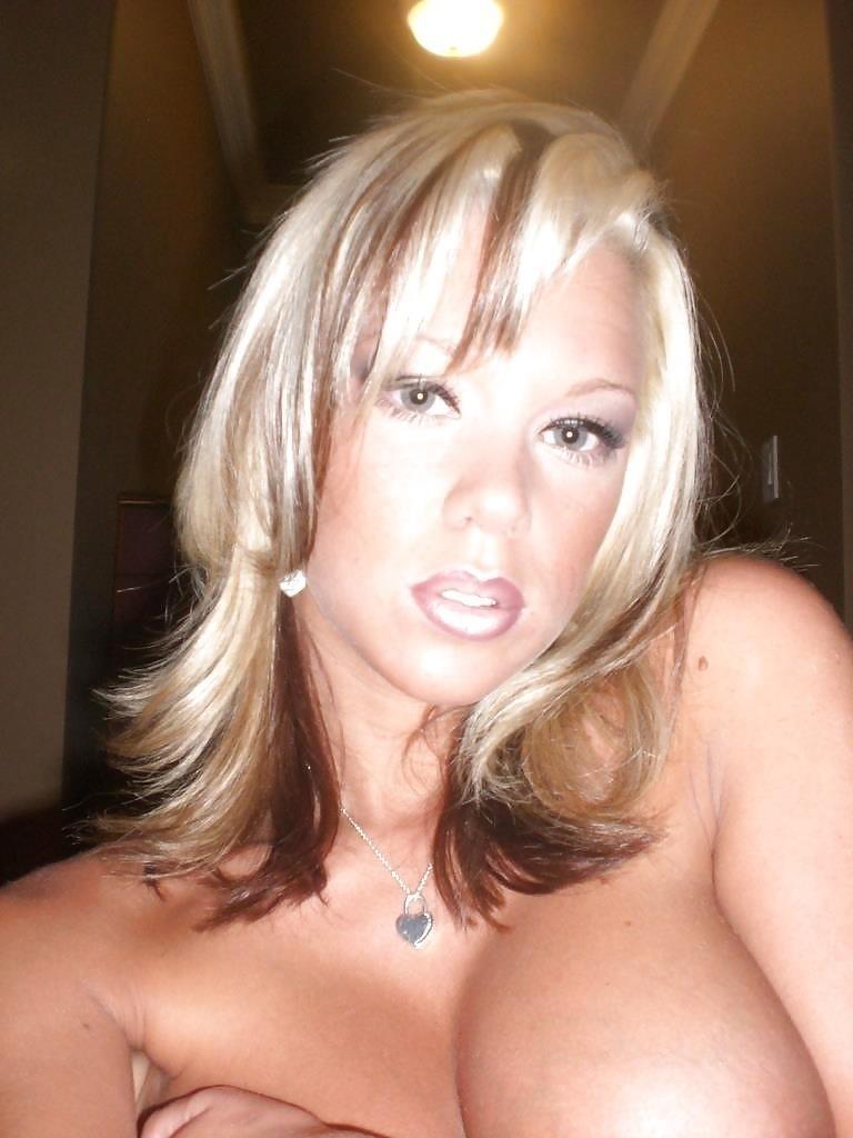 Hot blonde lesbian kissing-3039