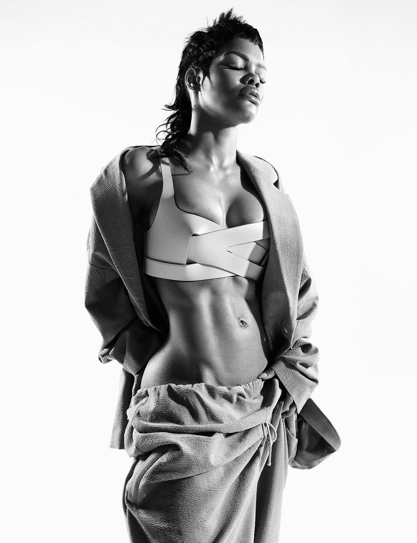 Тейяна Тейлор в хаос-выпуске журнала i-D, лето 2020 / фото 02