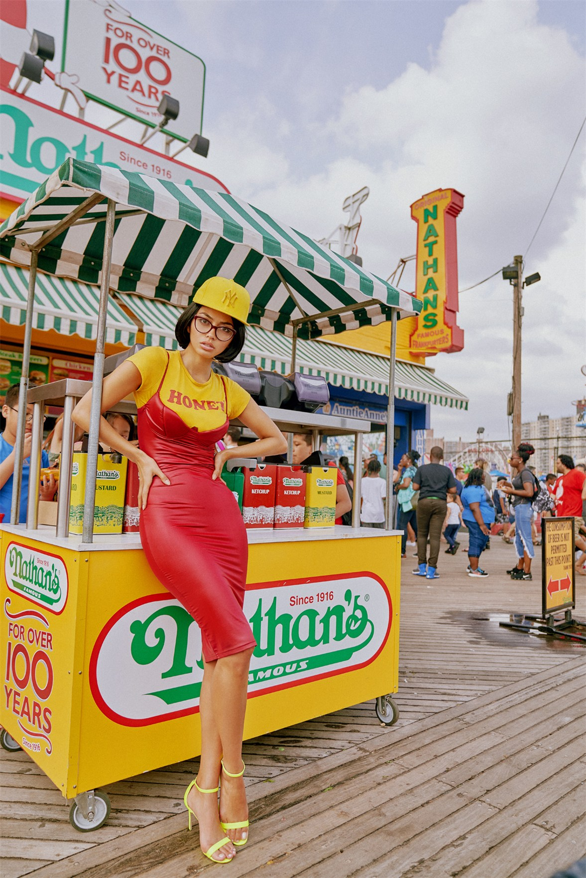 Прогулка по Кони-Айленду с Амброй Гутиерес / Ambra Battilana Gutierrez by Alexei Bazdarev / Coney Island adventure