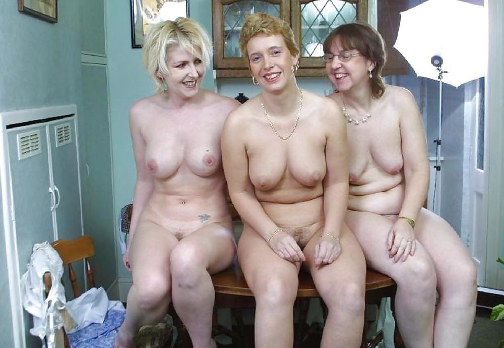 Nude mature lesbians-9004