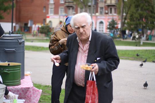 Пенсионер получил макароны с соевым фаршем