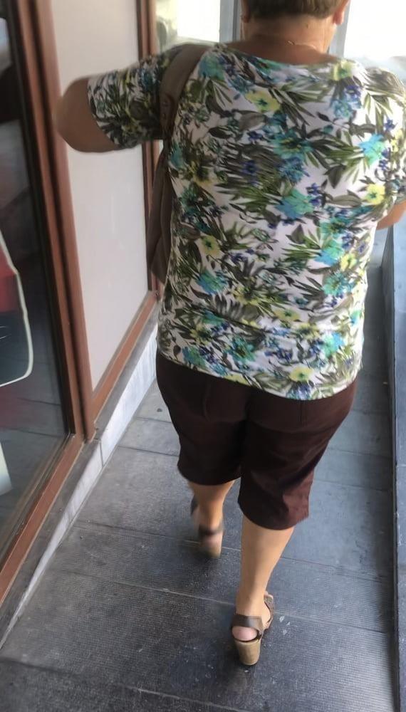 Granny feet in nylons-9462