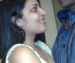 Desi kissing girl-9423