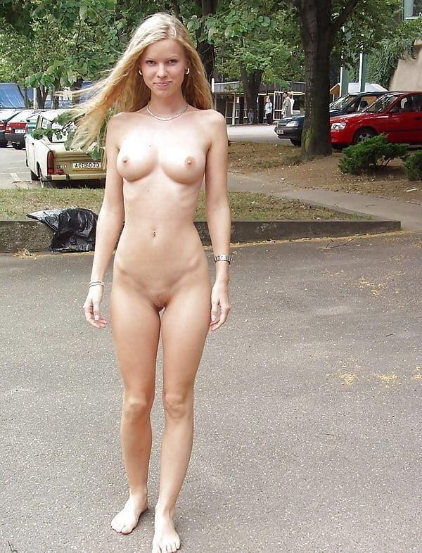 Outdoor public nudity-1330