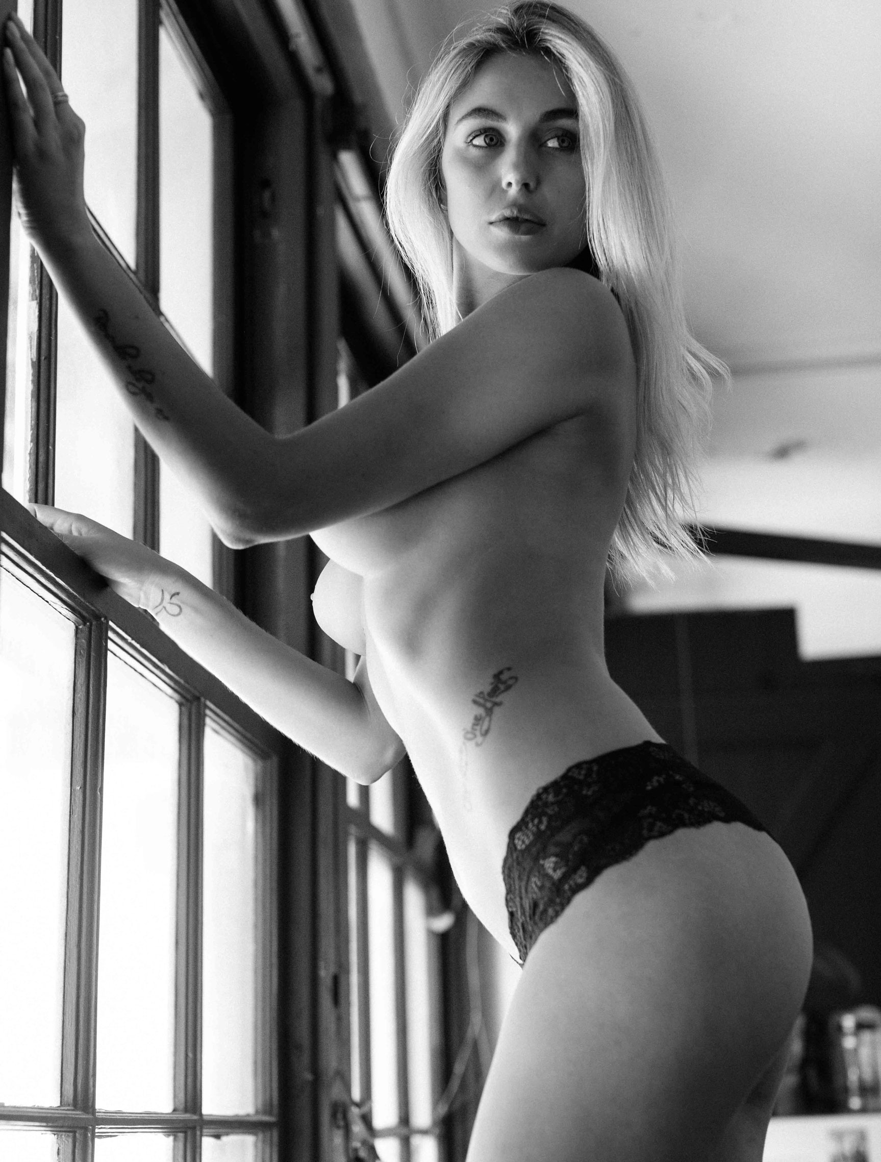 Paige Marie Evans nude by Paul McMahon / Break the Norm