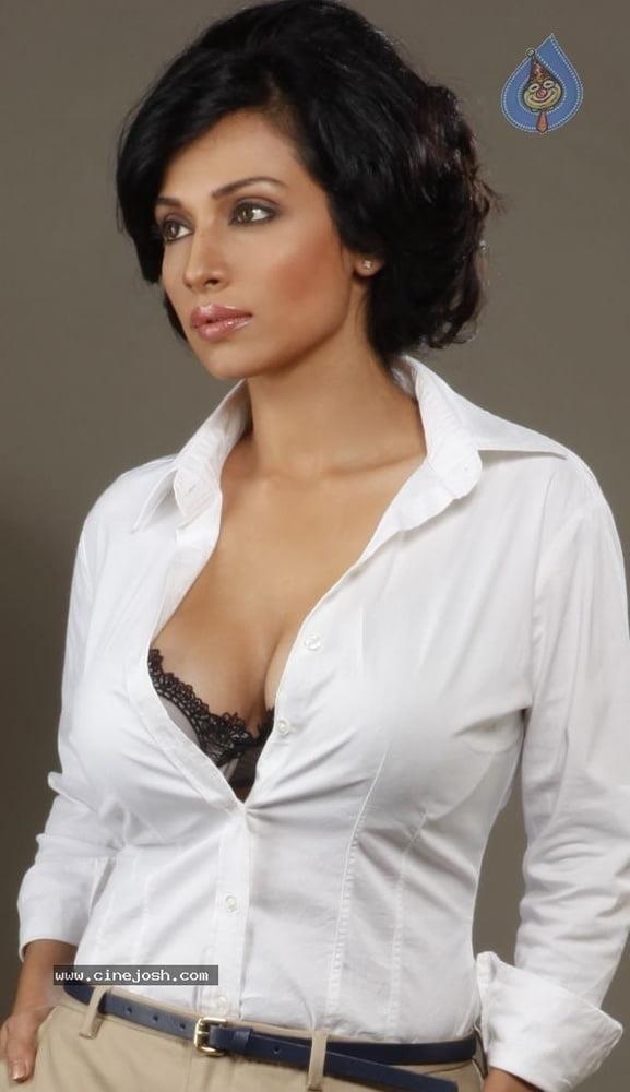 Asha saini hot kiss-4311