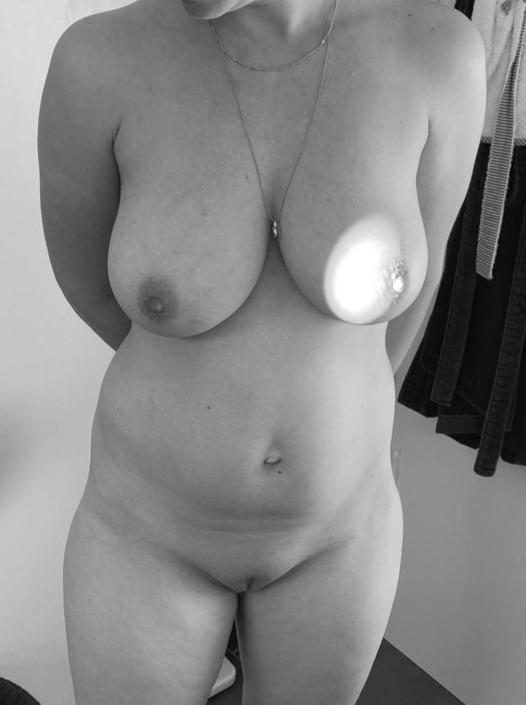Does breast size change after pregnancy-5151