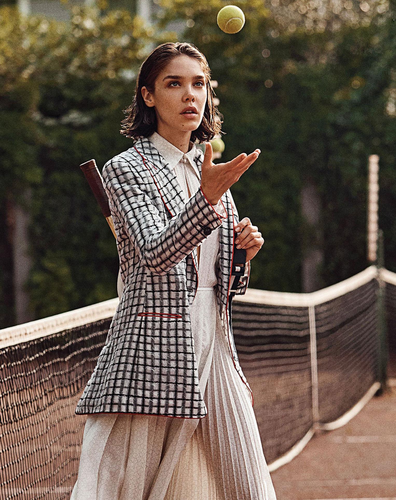 -Королева кортов- Мишель Дантас в модной одежде спортивного стиля / фото 05