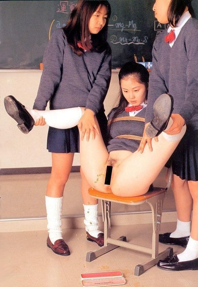 Japanese lesbian in public-1189