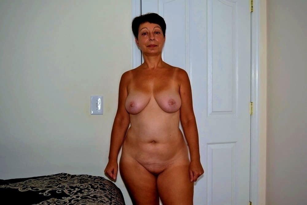 Naked granny porn-5999