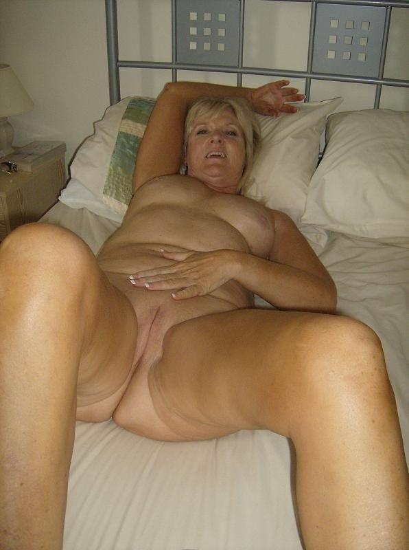 Amatuer mature nude-9546