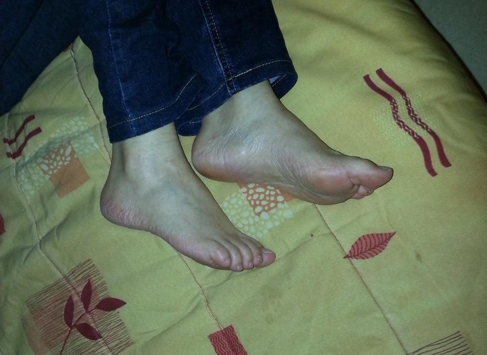 Mature feet pics-9456