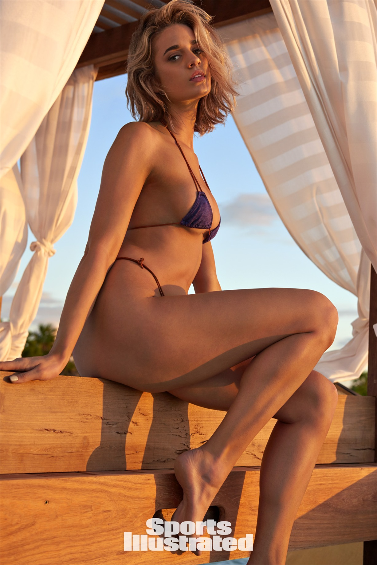 Allie Ayers / Элли Эйерс в купальниках из новой коллекции Sports Illustrated Swimsuit 2018 issue / in Belize by Yu Tsai