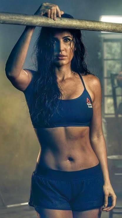 Katrina kaif sexy big boobs-4268