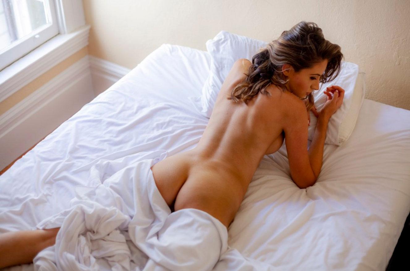 в постели с Селестой Трахлер / фото 06