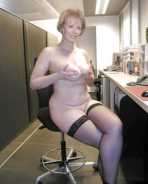 Beautiful naked mature men-5050