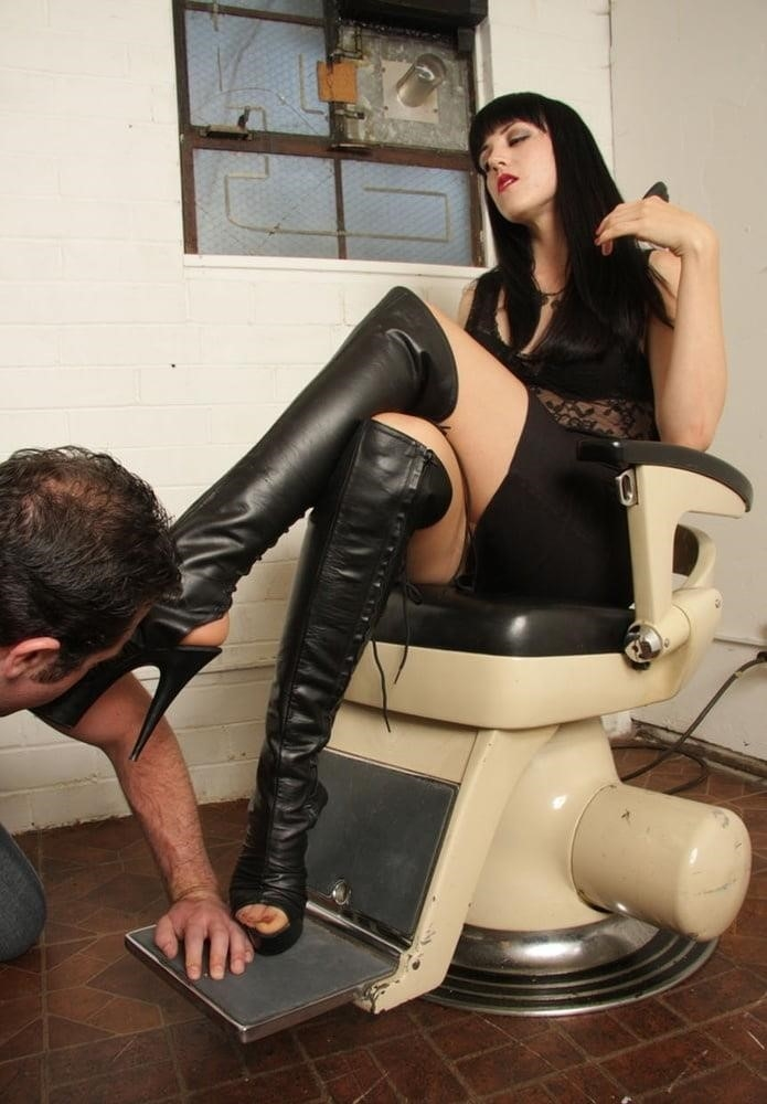 Victoria feet slave-6681