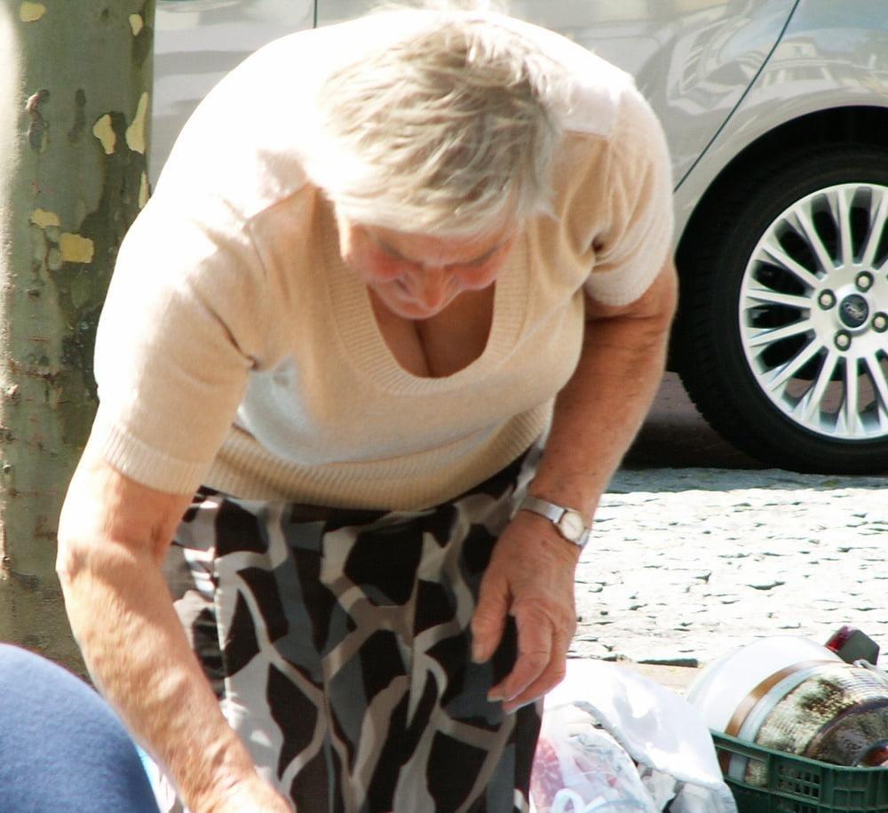 Old granny feet porn-4110