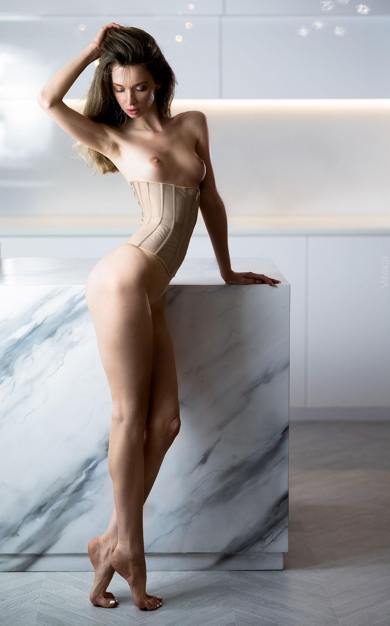 Сексуальная голая Анна Царалунга / фото 18